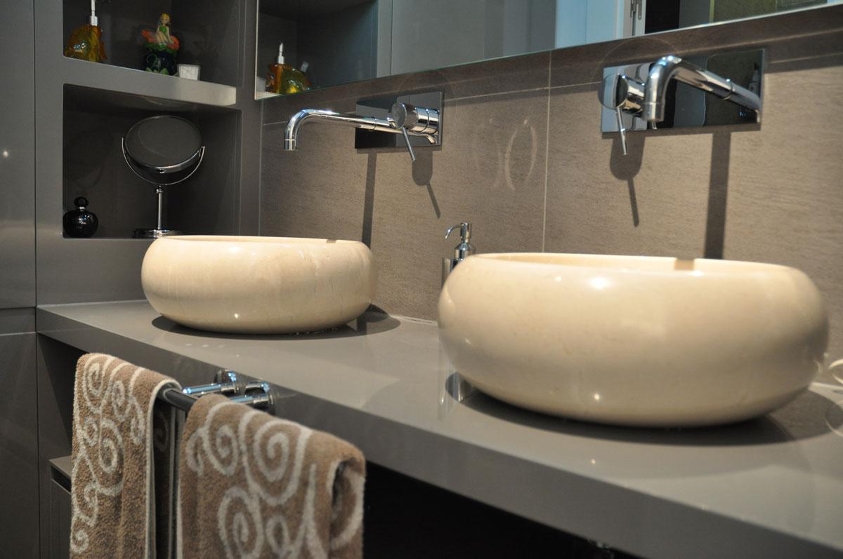 Diseno De Baños Residenciales: de baños hechos por Estudio Arinni para proyectos residenciales