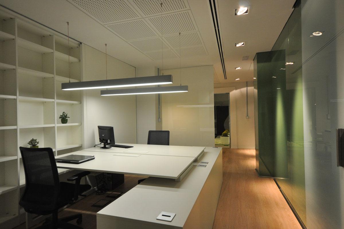 Dise o de oficina en alicante proyectos arinni for Oficinas cajamar alicante