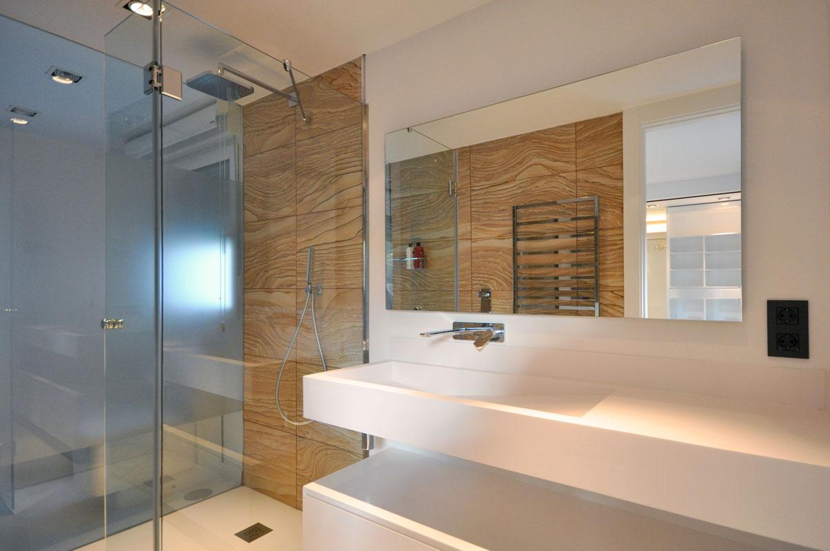 Dise o de ba os estudio arinni estudio arinni for Revestimiento de paredes para duchas