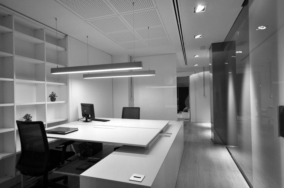 Dise o de interiores para oficina en alicante arinni estudio for Oficinas seur alicante
